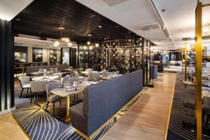 A restaurant or other place to eat at Crowne Plaza Helsinki - Hesperia, an IHG Hotel