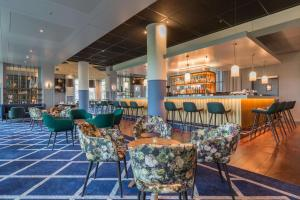 The lounge or bar area at Radisson Blu Hotel Amsterdam Airport, Schiphol