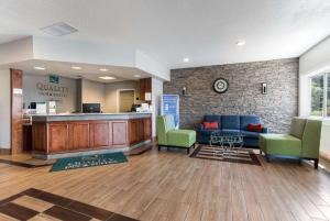 The lobby or reception area at Quality Inn & Suites