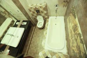 A bathroom at Hotel Cargo By Jd