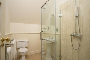 A bathroom at Lodge at Lough Erne