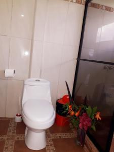 A bathroom at VILLA MANOLO CORCOVADO, Ocean & Forest view Lodge, Bar & Restaurant