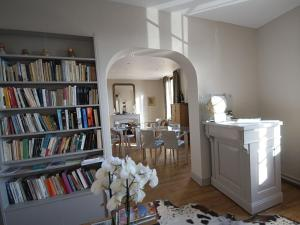 The library in the guesthouse