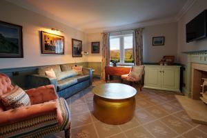 A seating area at The Devonshire Arms Hotel & Spa - Skipton