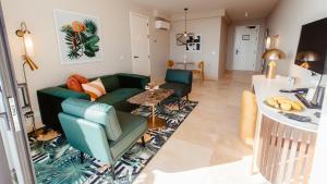 Uma área de estar em Corendon Mangrove Beach Resort