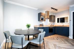 A kitchen or kitchenette at Staycity Aparthotels, Dublin, Christchurch