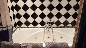 Een badkamer bij Aan de Cauberg