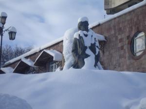 Дом Писателей Цахкадзора during the winter