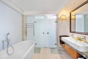 Hilton Windhoek tesisinde bir banyo