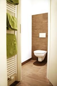 A bathroom at Gasthof Schmölz