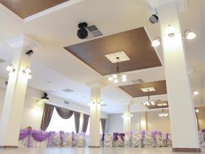 Zona de hol sau recepție la Hotel Dusan si Fiul Resita Nord