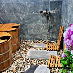 Phòng tắm tại Meo Vac Clay House