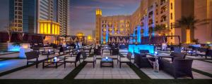 A restaurant or other place to eat at Bahi Ajman Palace Hotel