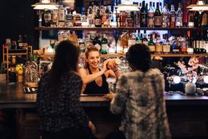 Salon ou bar de l'établissement Hotel Not Hotel