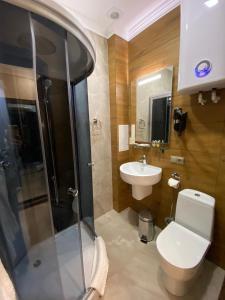 Ванная комната в Rodina DeLuxe