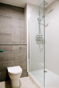A bathroom at National Badminton Centre Lodge & Health Club