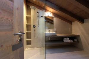 Ein Badezimmer in der Unterkunft Les Fleurettes