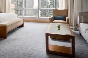 Ein Sitzbereich in der Unterkunft Shangri-La Kerry Hotel, Beijing