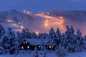 Geilolia Hyttetun om vinteren