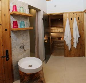Kúpeľňa v ubytovaní Dom Končiar
