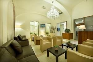 Лаундж или бар в Hotel Sovereign Prague