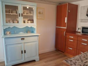 A kitchen or kitchenette at Ferientraum Eiderstedt