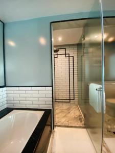 A bathroom at InterContinental Marine Drive Mumbai