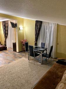 Гостиная зона в Отель Ночной Квартал