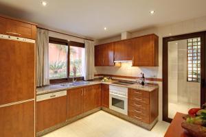 A kitchen or kitchenette at Vasari Resort
