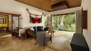 Posezení v ubytování Maya Ubud Resort & Spa