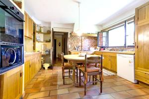 A kitchen or kitchenette at Villa with 6 bedrooms in Barbentane with private pool enclosed garden and WiFi 80 km from the beach