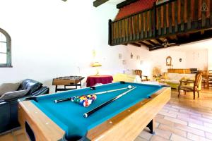 A pool table at Villa with 6 bedrooms in Barbentane with private pool enclosed garden and WiFi 80 km from the beach