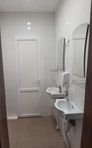 Ванная комната в Hostel Den' & Noch'