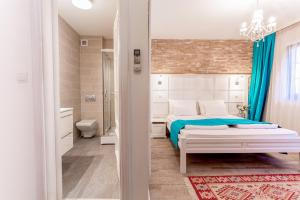 A bed or beds in a room at Hotel-Restaurant Kriva Ćuprija