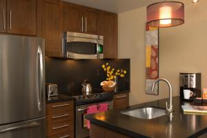 A kitchen or kitchenette at Hotel Terra Jackson Hole, a Noble House Resort