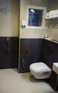 A bathroom at Taz Kamar Family Hotel