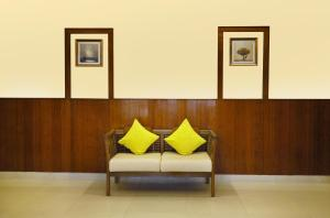 A seating area at Taz Kamar Family Hotel