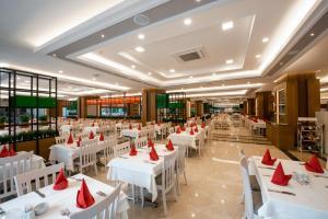 Een restaurant of ander eetgelegenheid bij Side Star Park Hotel-All Inclusive