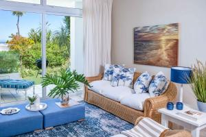 A seating area at Bay Reflections Camps Bay Luxury Serviced Apartments