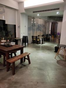 A restaurant or other place to eat at 漫步山嵐 A walk in the mist