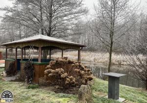Obiekt Mlyn Wodny EKO Hillar zimą