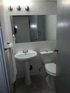 A bathroom at Alpine Inn