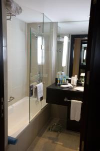 حمام في فندق راديسون بلو القاهرة هليوبوليس