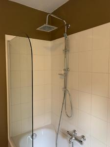 A bathroom at L'Étape Fagnarde - Bed, Breakfast & Wellness