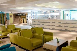 The lounge or bar area at Hotel Boryana