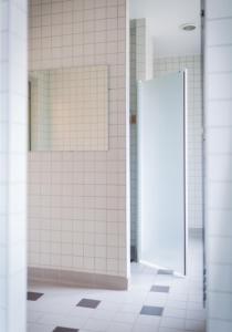 Ett badrum på STF af Chapman & Skeppsholmen