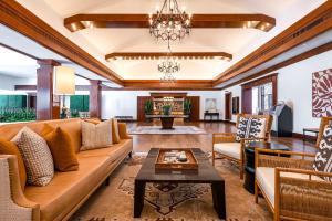 A seating area at Omni La Costa Resort & Spa