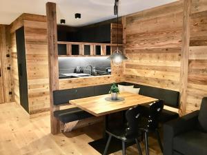 Küche/Küchenzeile in der Unterkunft Appartements Innerkofler Mountain Home