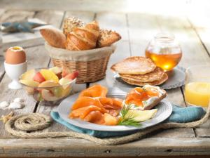 Breakfast options available to guests at Disney's Newport Bay Club®