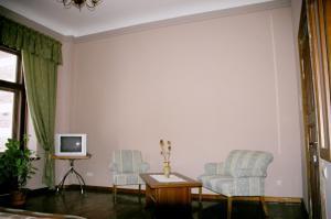 A seating area at Viesu nams Aumeisteri